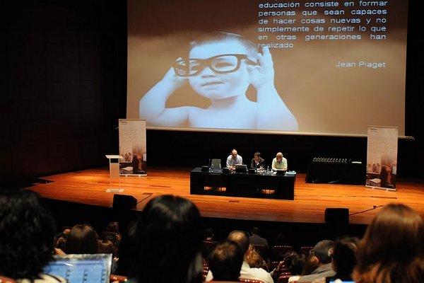 Presentación de Experiencias educativas en las aulas del siglo XXI