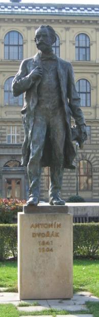 Estatua de Antonín Dvořák en Praga