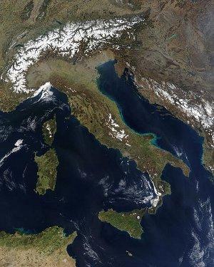 Italia desde un satélite