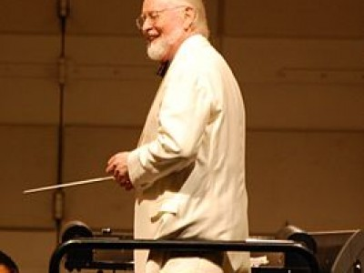 John Williams at Hollywood Bowl, by Alec McNayr en Flickr